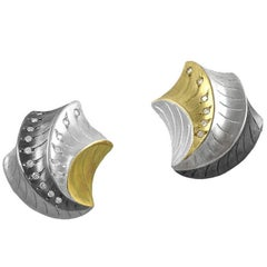 Shell Shape Clip Earrings with 18 Karat Yellow Gold and Oxidized Sterling Silver