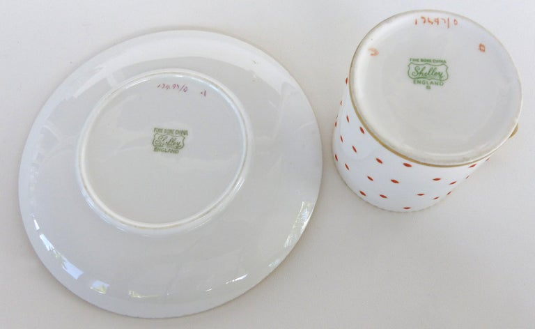 Shelley England Fine Bone China Enameled and Gilt Demitasse Cups and Saucers In Good Condition For Sale In Miami, FL