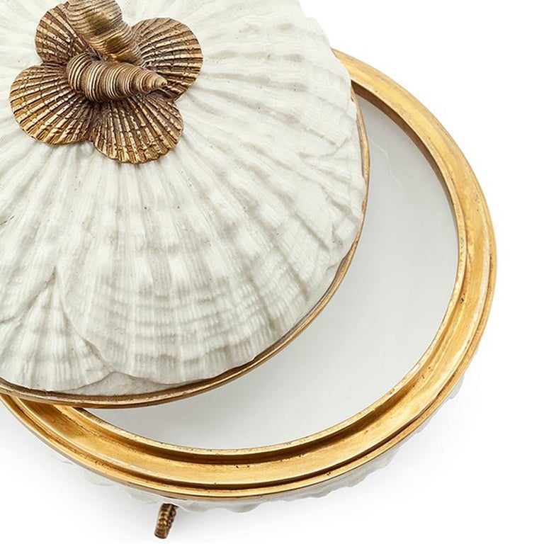 Shells Box in White Porcelain In New Condition For Sale In Paris, FR