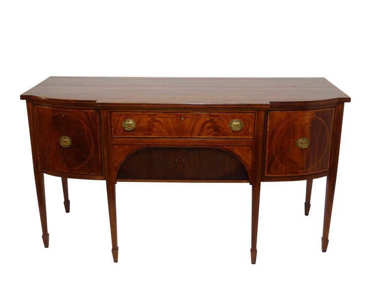 Sheraton Mahogany Sideboard with Satinwood Inlay, English Early 19th Century In Good Condition For Sale In San Francisco, CA