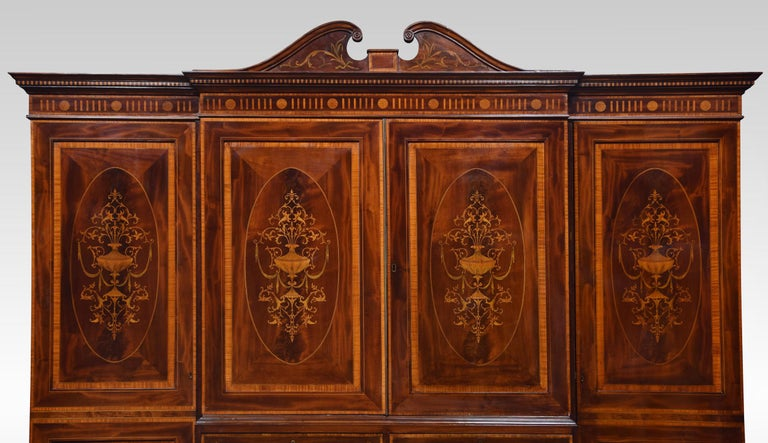 Sheraton Revival Mahogany Inlaid Breakfront Wardrobe In Good Condition For Sale In Cheshire, GB