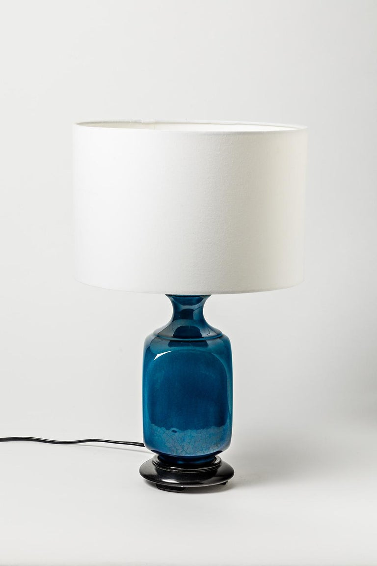 20th Century Shiny Blue Ceramic Table Lamp Attributed to Pol Chambost, circa 1960 For Sale