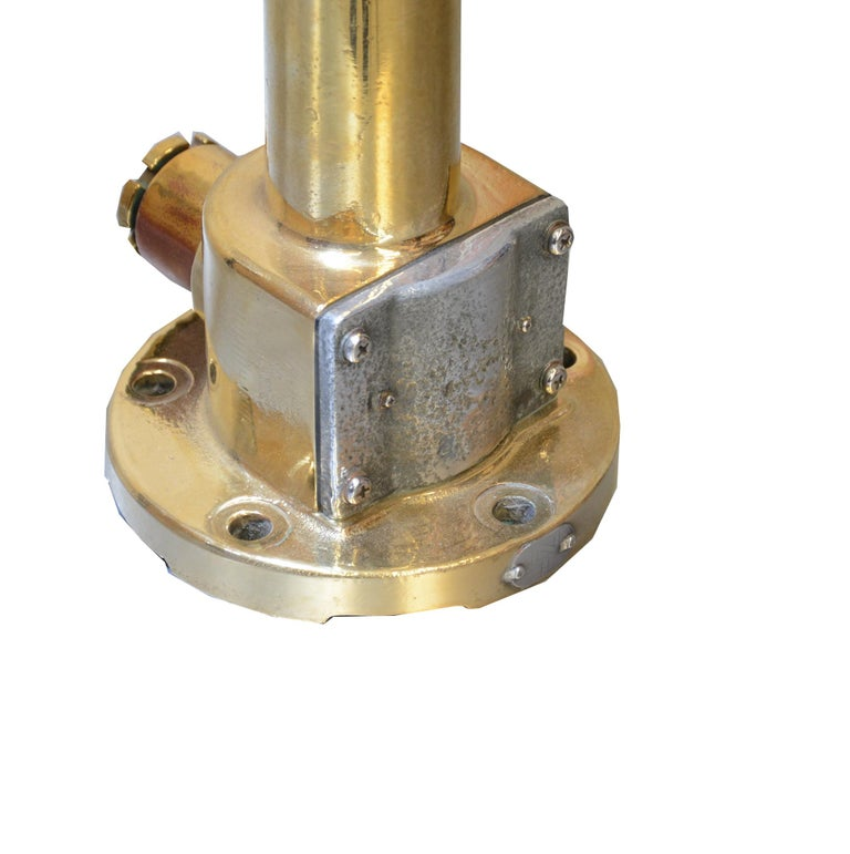 Ship's Anemometer in Brass In Good Condition For Sale In Brest, FR