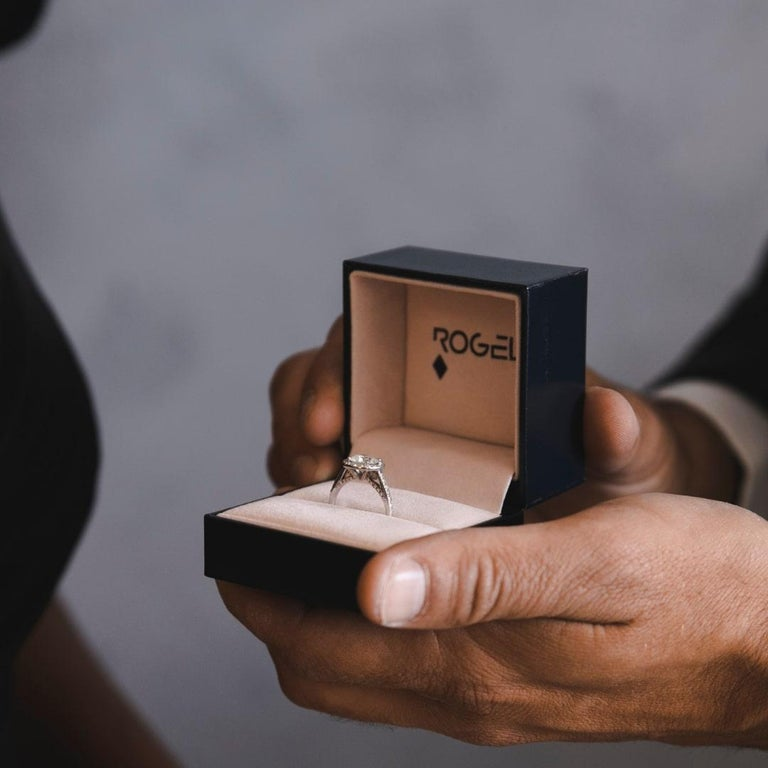 Round Cut Shlomit Rogel, 1.62 Carat EGL Certified Diamond Ring in 18 Karat White Gold For Sale