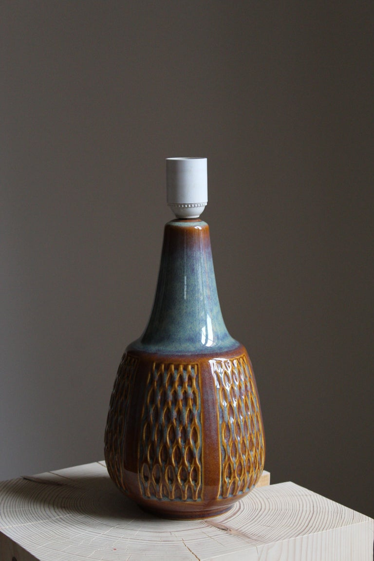 Søholm Keramik, Table Lamp, Glazed Stoneware, Linen Bornholm, Denmark, 1960s In Good Condition For Sale In West Palm Beach, FL