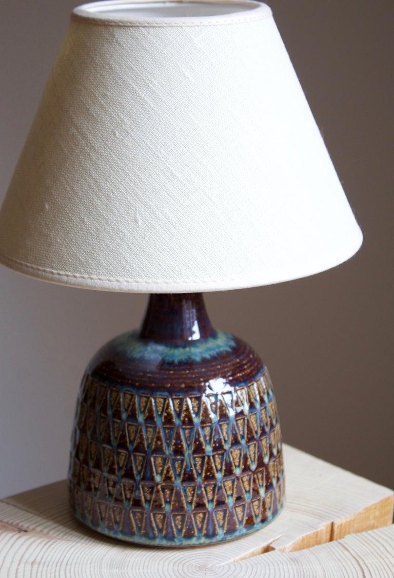 Mid-Century Modern Søholm Stentøj, Table Lamp, Glazed Incised Stoneware, Bornholm, Denmark, 1960s For Sale