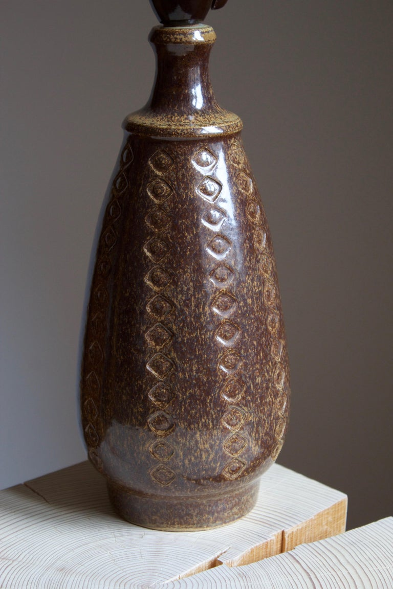 Danish Søholm Stentøj, Table Lamp, Glazed incised Stoneware, Bornholm, Denmark, 1960s For Sale