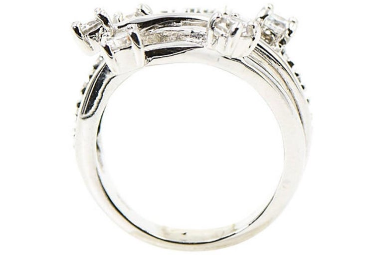 Round Cut Shooting Star Sterling Silver and Crystal Ring For Sale