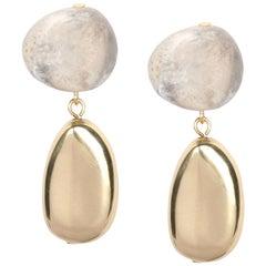 Short Mineral Drop Earrings in Sandy Pearl