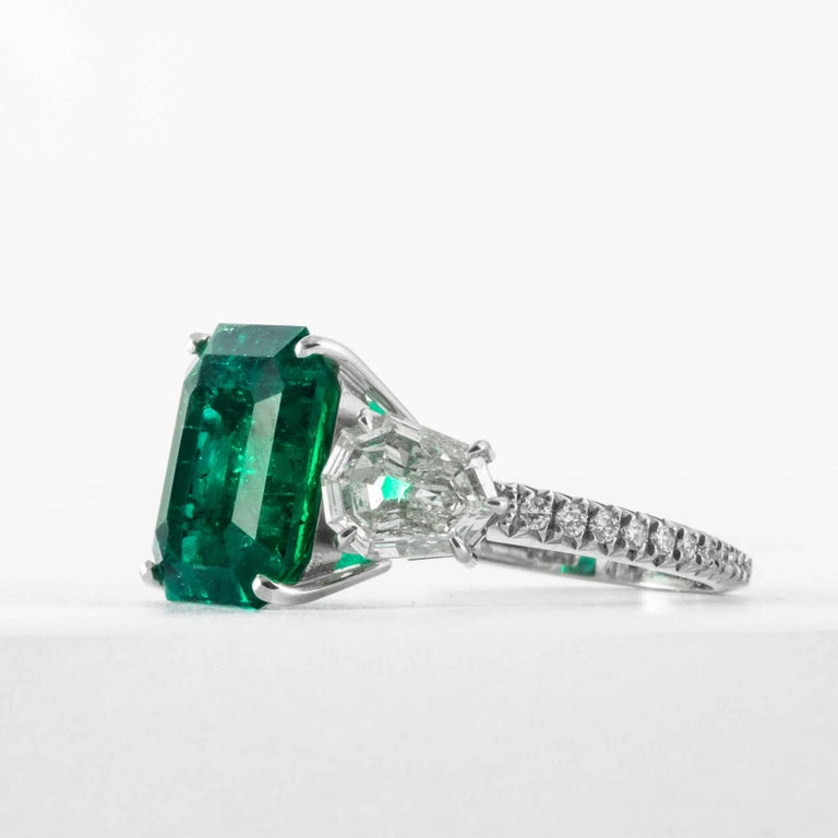 Emerald Cut Shreve, Crump & Low 5.48 Carat Colombian Emerald and Diamond White Gold Ring For Sale