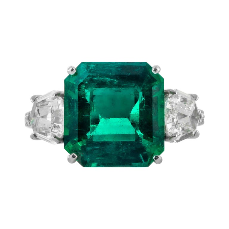 Shreve, Crump & Low 5.48 Carat Colombian Emerald and Diamond White Gold Ring For Sale