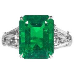 Shreve, Crump & Low 6.08 Carat Zambian Emerald and Diamond 3-Stone Ring