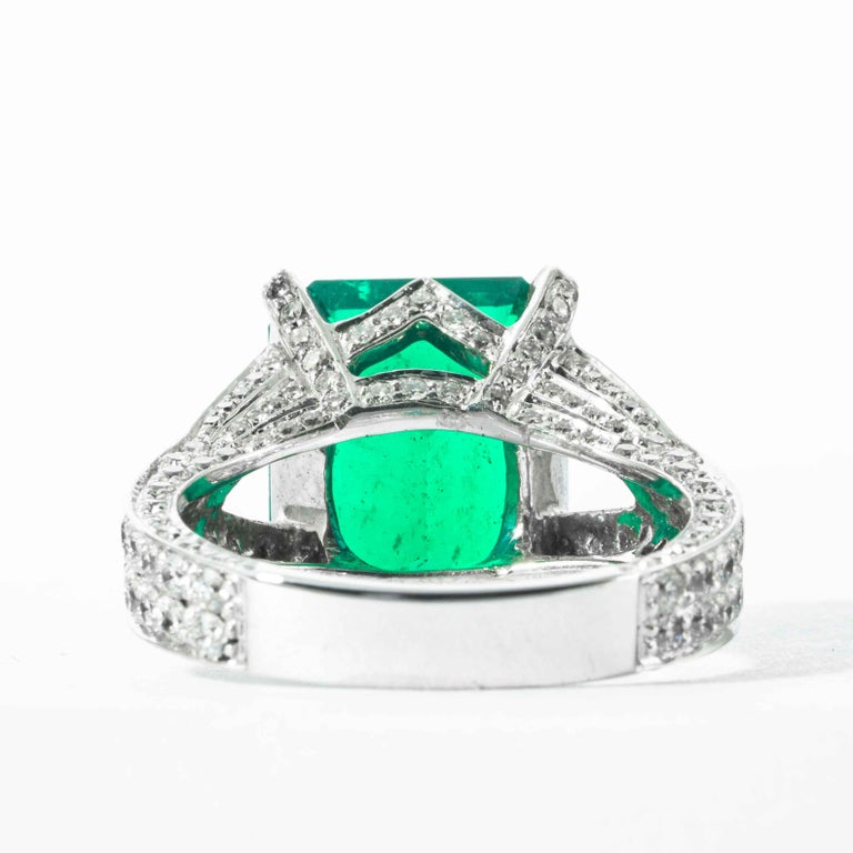 Shreve, Crump & Low 6.25 Carat Colombian Emerald and Diamond White Gold Ring In New Condition For Sale In Boston, MA