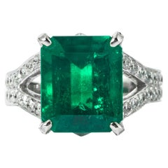 Shreve, Crump & Low 6.25 Carat Colombian Emerald and Diamond White Gold Ring