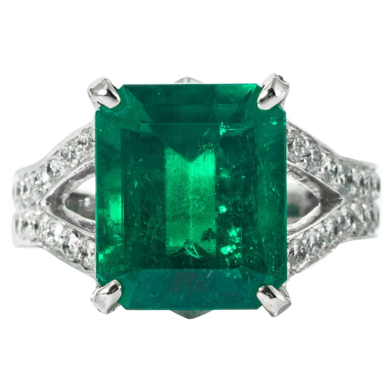 Shreve, Crump & Low 6.25 Carat Colombian Emerald and Diamond White Gold Ring For Sale