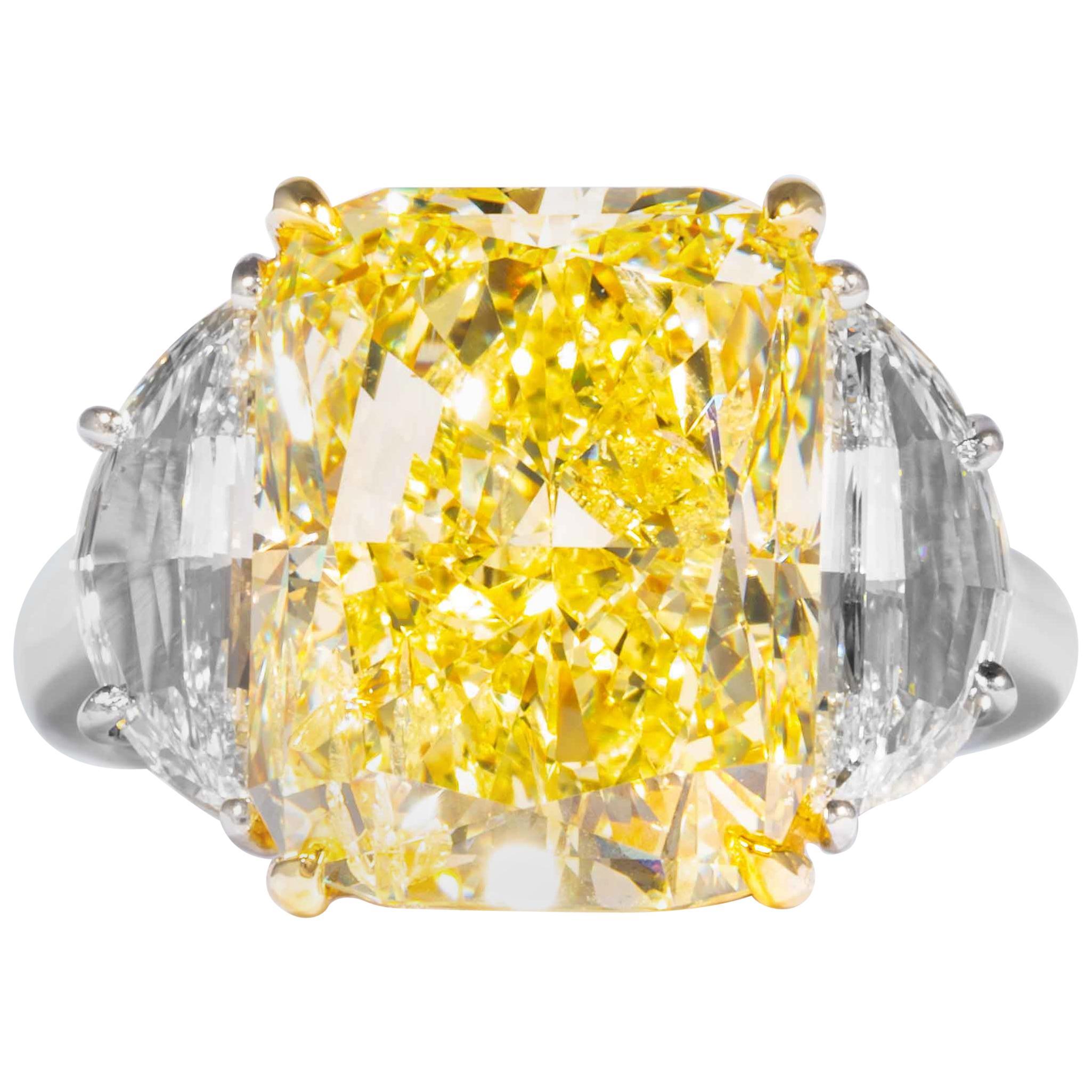 Shreve, Crump & Low GIA Certified 10.04 Carat Fancy Yellow Radiant Diamond Ring