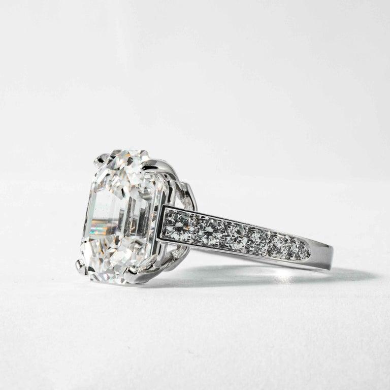 Round Cut Shreve, Crump & Low GIA Certified 10.19 Carat H VS1 Emerald Cut Diamond Ring For Sale
