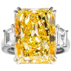 Shreve, Crump & Low GIA Certified 17.01 Carat Fancy Yellow Radiant Diamond Ring