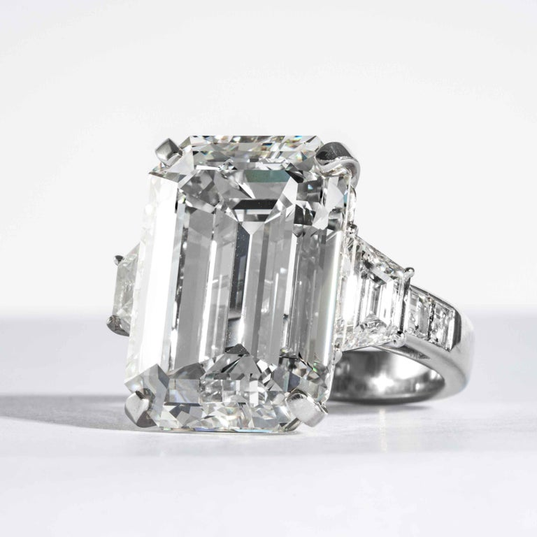 Shreve, Crump & Low GIA Certified 22.02 Carat J VS2 Emerald Cut Diamond Ring In New Condition For Sale In Boston, MA
