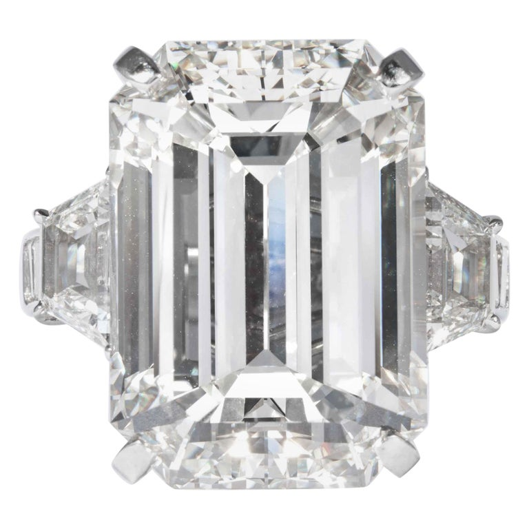 Shreve, Crump & Low GIA Certified 22.02 Carat J VS2 Emerald Cut Diamond Ring For Sale