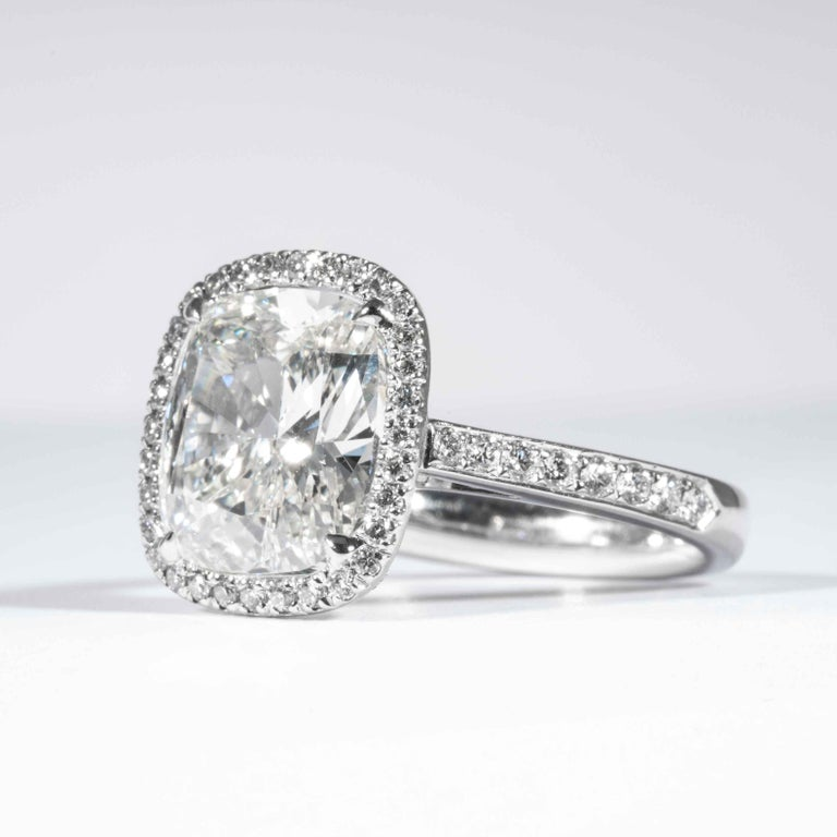 Shreve, Crump & Low GIA Certified 4.01 Carat I VVS2 Cushion Cut Diamond Ring In New Condition For Sale In Boston, MA