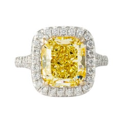 Shreve, Crump & Low GIA Certified 5.27 Carat Fancy Yellow Radiant Cut Plat Ring