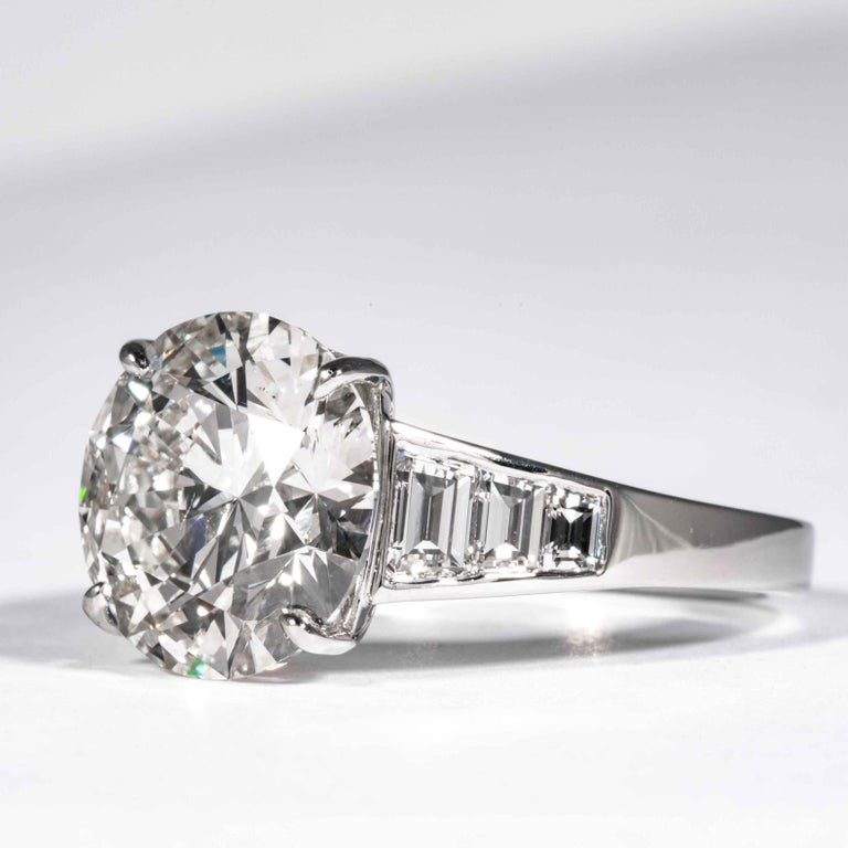 Shreve, Crump & Low GIA Certified 5.60 Carat J SI1 Round Brilliant Diamond Ring In New Condition For Sale In Boston, MA