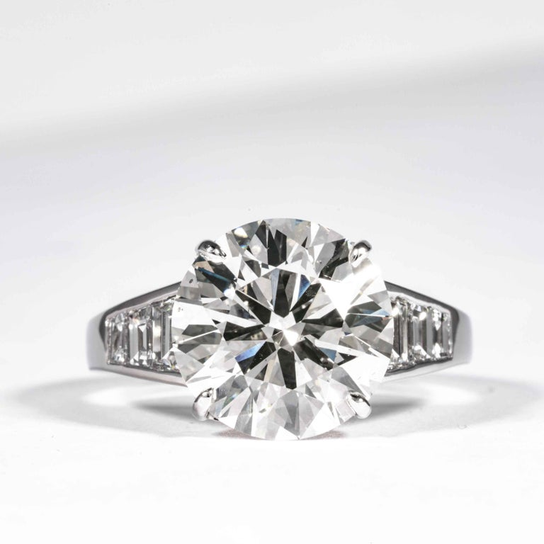 Round Cut Shreve, Crump & Low GIA Certified 5.60 Carat J SI1 Round Brilliant Diamond Ring For Sale