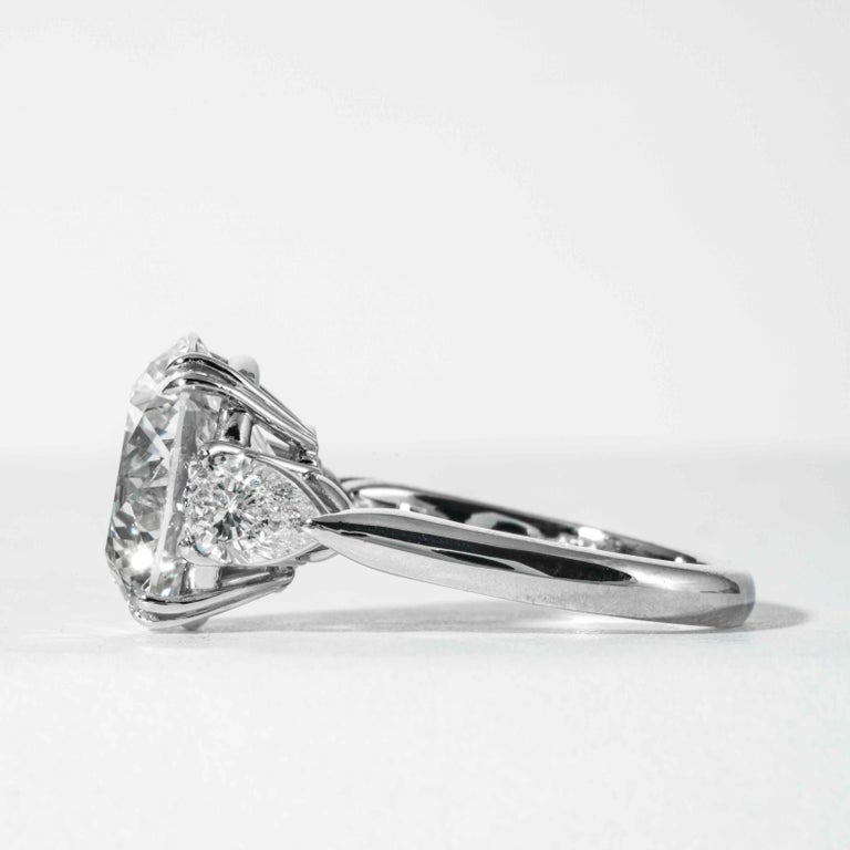 Women's Shreve, Crump & Low GIA Certified 5.90 Carat K VS2 Round Brilliant Diamond Ring For Sale
