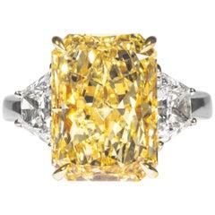 Shreve, Crump & Low GIA Certified 7.95 Carat Fancy Yellow Radiant Diamond Ring
