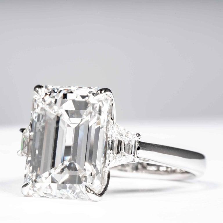Women's or Men's Shreve, Crump & Low GIA Certified 8.97 Carat G VS2 Emerald Cut Diamond Ring For Sale