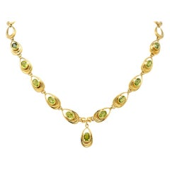 Shreve Crump and Low Retro Peridot 14 Karat Yellow Gold Oval Link Drop Necklace