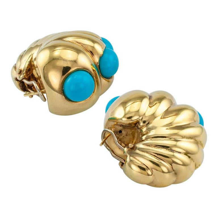 Shrimp Style Turquoise Gold Hoop Earrings In Excellent Condition For Sale In Los Angeles, CA