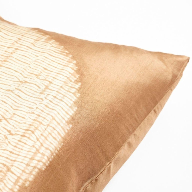Shunya Gold Shibori Silk Pillow In New Condition For Sale In Bloomfield Hills, MI