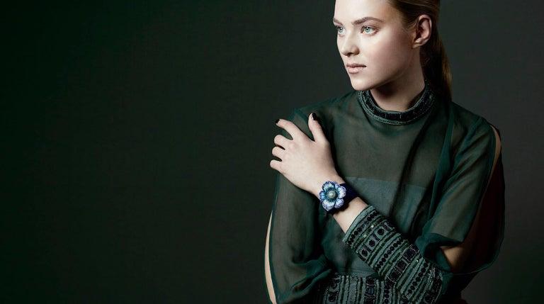 Brilliant Cut Stylish Wristwatch White Diamond Blue Sapphire Emerald White Gold Quartz Mov  For Sale