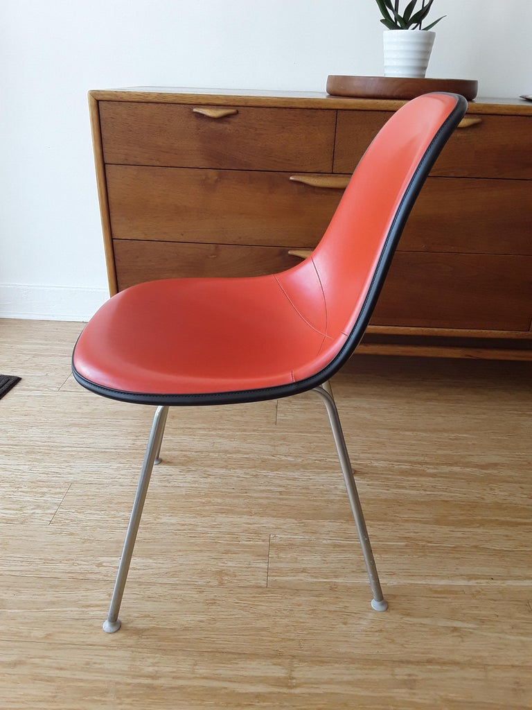 Mid-Century Modern Side Chair on Straight Base by Eames for Herman Miller