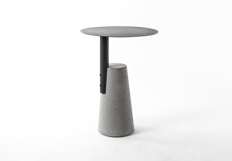 Side Table 'BAI' Made of Concrete and Steel 'Small' '+Colors' For Sale 4
