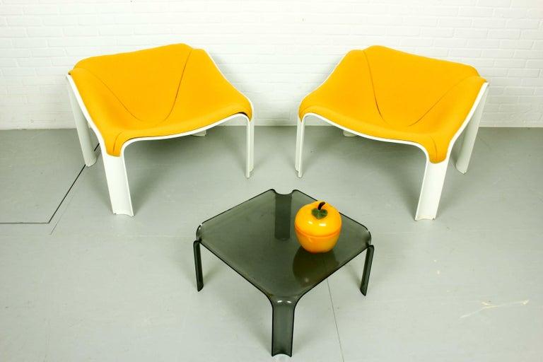 Dutch Side Table Model 877 by Pierre Paulin for Artifort, 1960s For Sale