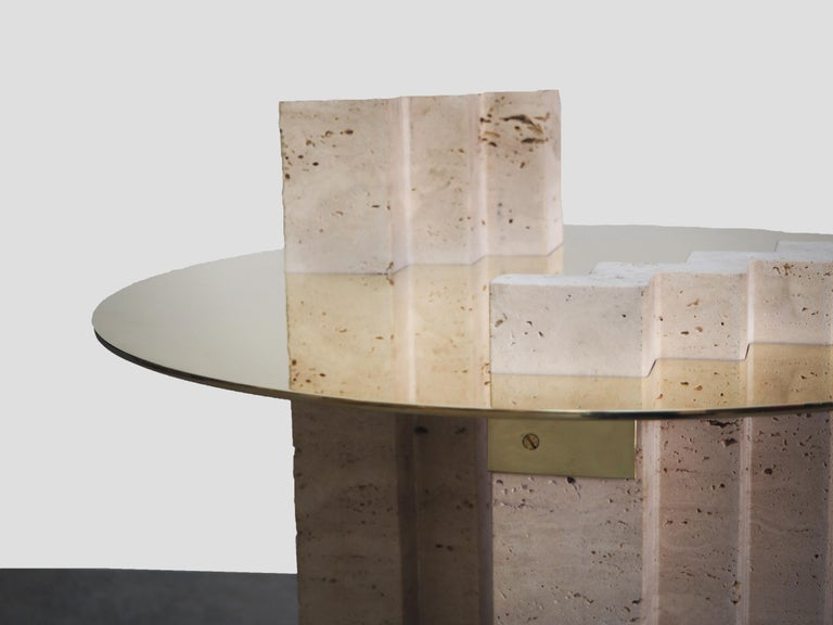 Side Table Travertine and Brass Sculpted by Dessislava Madanska In New Condition For Sale In Collonge Bellerive, Geneve, CH