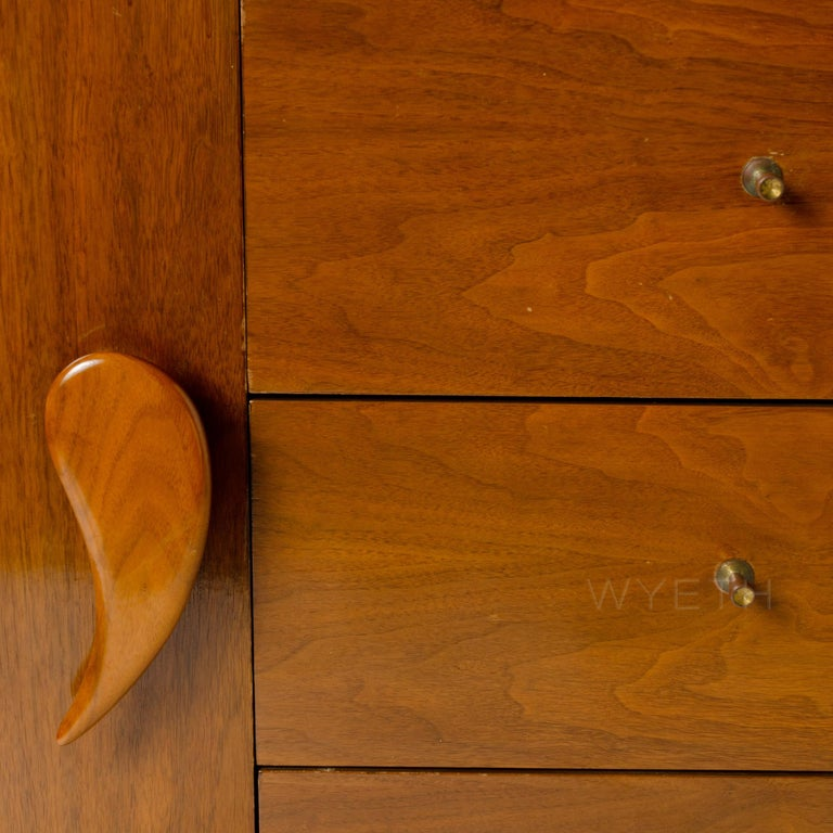 Mid-20th Century Sideboard with Teardrop Handles and Ribbon Feet For Sale
