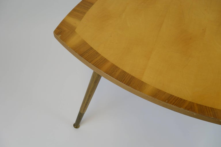 Sidetable Midecentury Design with Maqueteries and Brass Legs, 1950s In Good Condition For Sale In Vienna, AT