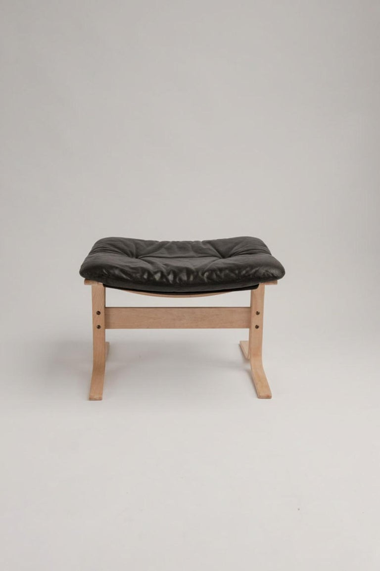 Leather Siesta Chair and Ottoman by Ingmar Relling For Sale
