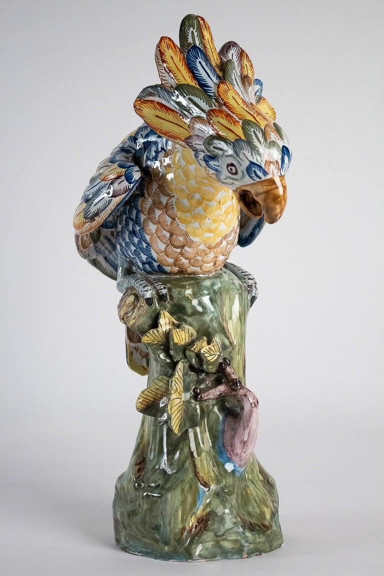 Sign APK Dutch Late 18th Century or 19th Century Polychrome Delft Faience Parrot In Good Condition For Sale In Saint Ouen, FR