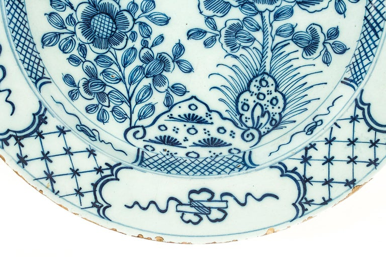 Sign by Ax, Mid-18th Century, Magnificent Faience Delft Round Dish For Sale 1