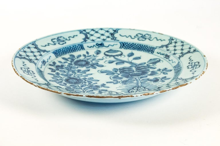Sign by Ax, Mid-18th Century, Magnificent Faience Delft Round Dish For Sale 3