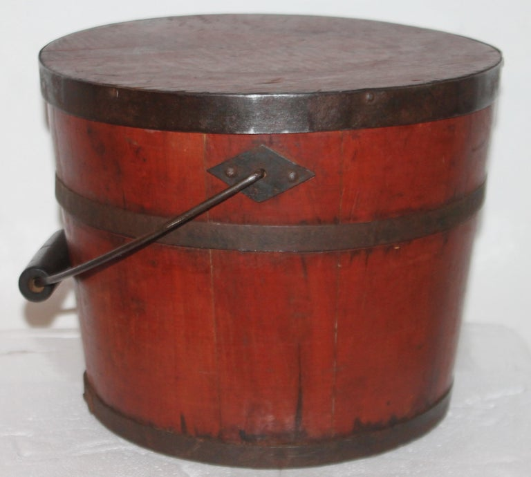 American Signed 19th Century Shaker Painted Bucket For Sale