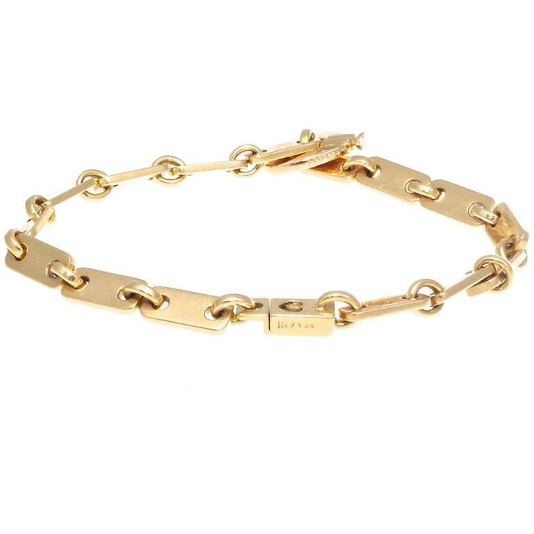 Cartier France Heart Clasp 18 Karat Gold Link Bracelet In Excellent Condition In Beverly Hills, CA