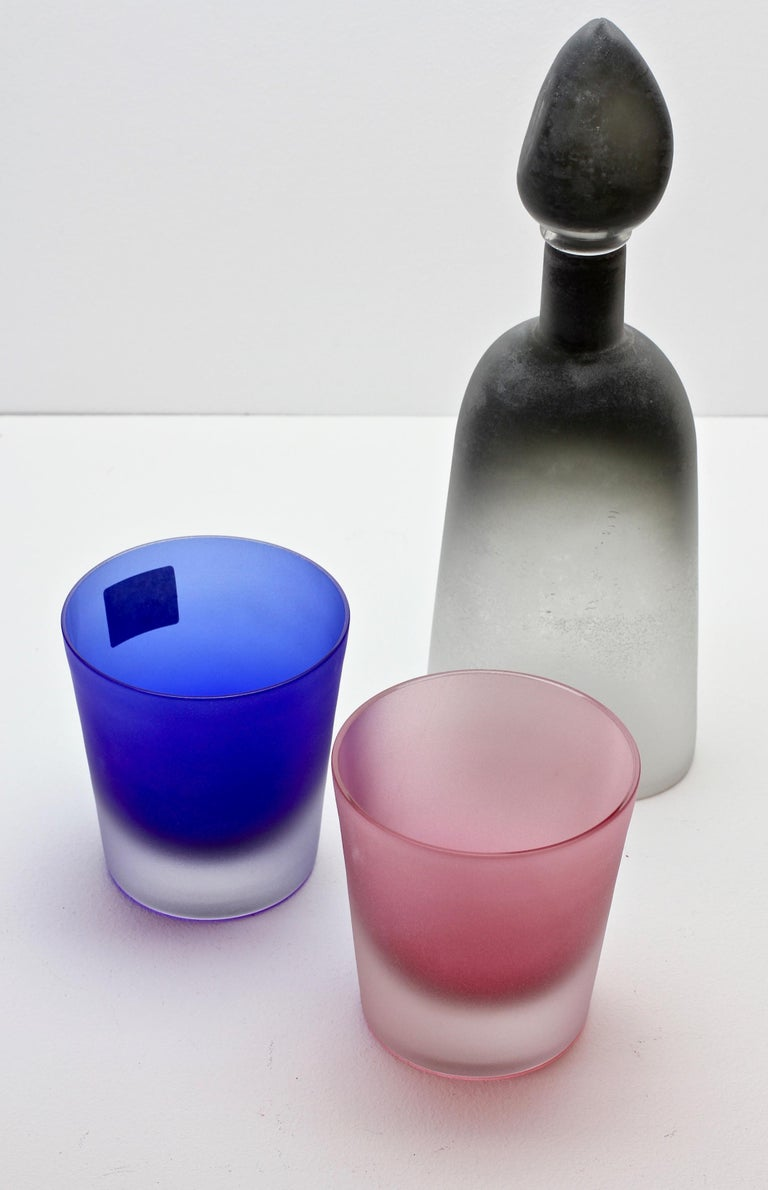 Signed Cenedese Frosted Glass Scavo His and Her's Pink & Blue Colored Glasses For Sale 1