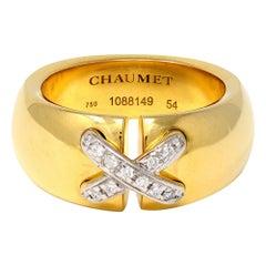 Signed Chaumet Paris 18 Karat Yellow Gold Diamond Ring