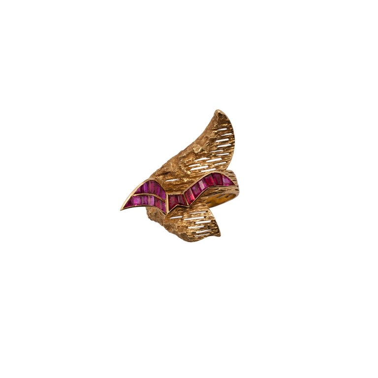 Signed Georges Braque Yellow Gold Ring Set with Baguette Cut Rubies In Good Condition For Sale In Vienna, Österreich